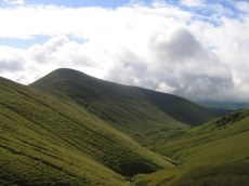 The Monabrack ridge from Ladhar na Chapaill