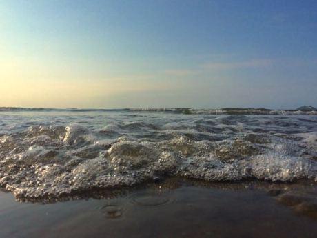 Approaching Waves, Garryvoe, Co. Cork